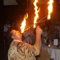 Lustige Magic-Show Feuerschlucker